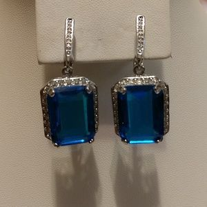 SS Sapphire colored stones earrings
